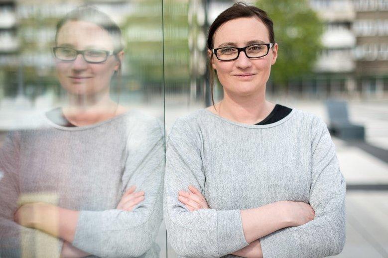 """Dr Joanna Ławicka, pedagog specjalny, prezes opolskiej Fundacji Prodeste, która opiekuje się osobami z autyzmem. Autorka książki """"Nie jestem kosmitą. Mam zespół Aspergera""""."""