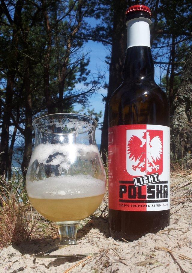 Piwo o nazwie Polska Light z włoskiego browaru rzemieślniczego Birra Amiata. Jest to próba odtworzenia wymarłego polskiego stylu piwa jakim jest Grodziskie.