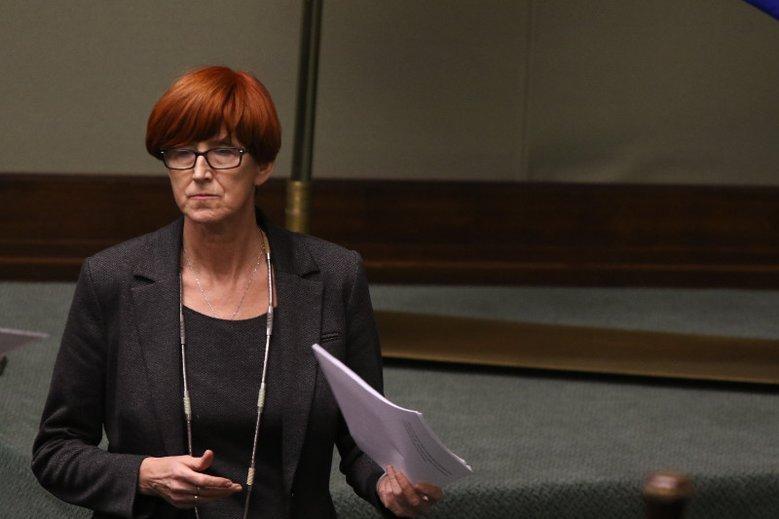 Elżbieta Rafalska stanowczo zaprzeczyła w kwestii zmian świadczenia 500 plus.