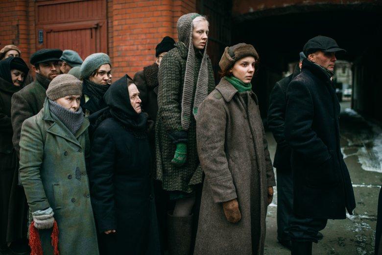 Aktorka Wiktoria Miroszniczenko jest faktycznie wysoka, mierzy 1,82 m