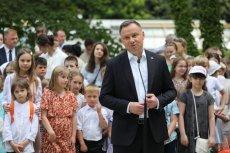 Andrzej Duda zagalopował się z pomysłem dot. zakazu adopcji dzieci dla par jednopłciowych?