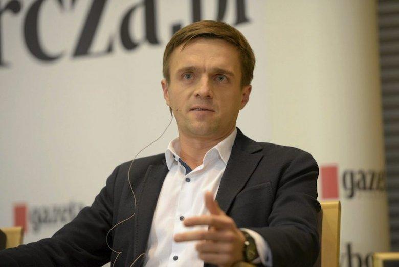 Leszek Jażdżewski przemawiał 3 maja przed Donaldem Tuskiem. Jego słowa o Kościele katolickim wywołały burzę.