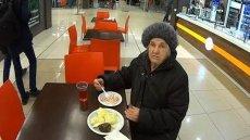 Pracownik lokalu z Moskwy bohaterem internautów