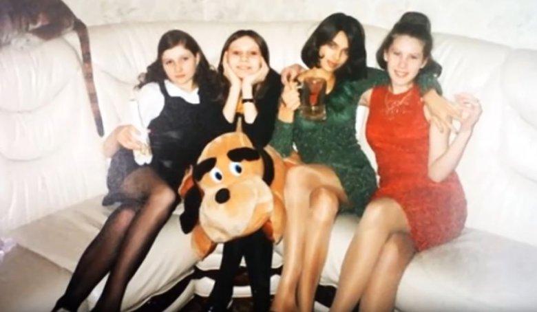 Irina z koleżankami w 1999 roku