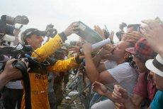 Powrót Robert Kubicy do ścigania sprawił, że w telewizji pojawiąsię relacje z rajdów samochodowych. Zdjęcie z Renault F1 Team Show w 2010 roku.