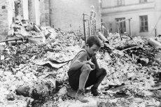 ''Widziałem Oblężenie Warszawy'' to książka napisana przez autora o pseudonimie Alexander Polonius, który był świadkiem upadku stolicy w 1939 roku. W Polsce dzienniki o tamtych tragicznych wydarzeniach wydał Dom Wydawniczy REBIS