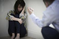 """Powieść """"Ambasadorowa"""" porusza problem przemocy domowej, która wymyka się stereotypom"""