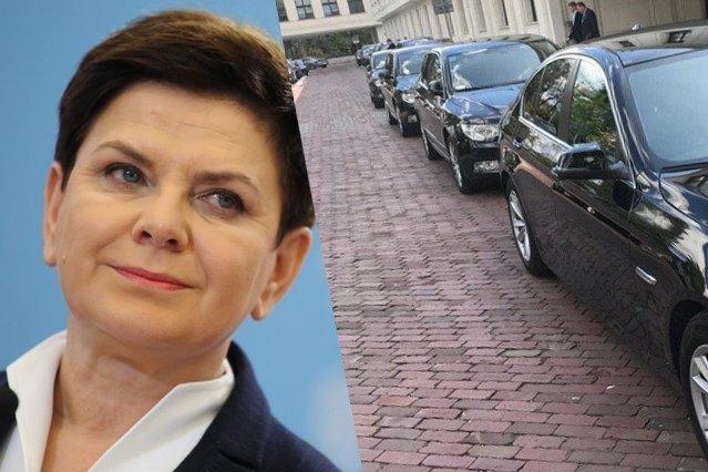 """""""Czas limuzyn się skończył"""" – mówi premier w wywiadzie. A przed Sejmem... """"rząd limuzyn"""""""