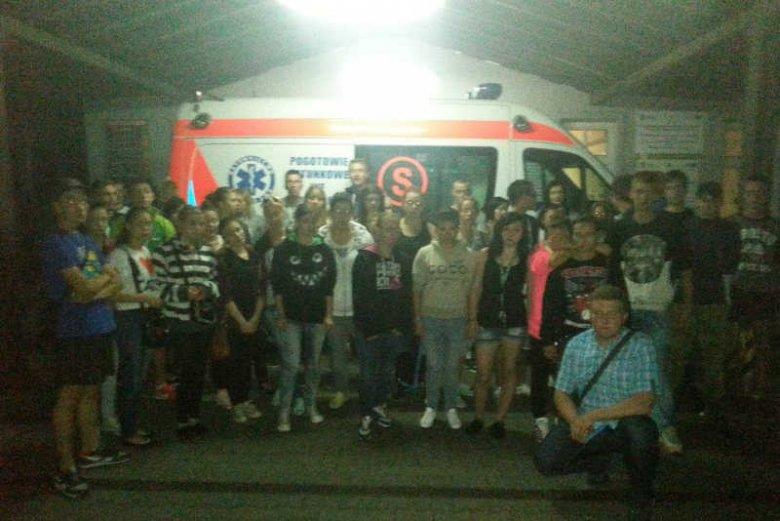 We Wrocławiu koledzy 17-latka protestują przeciw odłączeniu go od respiratora.