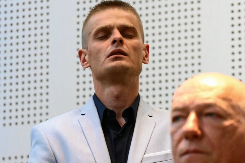 Tomasz Komenda (na zdjęciu z prof. Ćwiąkalskim) będzie domagał się odszkodowania za krzywdy, których doświaczył w wyniku niesłusznego oskarżenia o gwałt i zabójstwo.