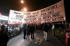 Na długo przed KOD PiS organizował własne manifestacje przeciwko PO. Na zdjęciu Marsz Niepodległości i Solidarności w 2011 r.