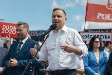 """Andrzej Duda ocenił na spotkaniu w województwie pomorskim, że w Sądzie Najwyższym zasiadały """"komuchy""""."""