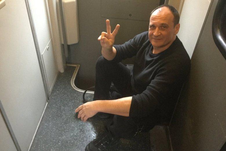 Paweł Kukiz narzeka na jazdę PKP