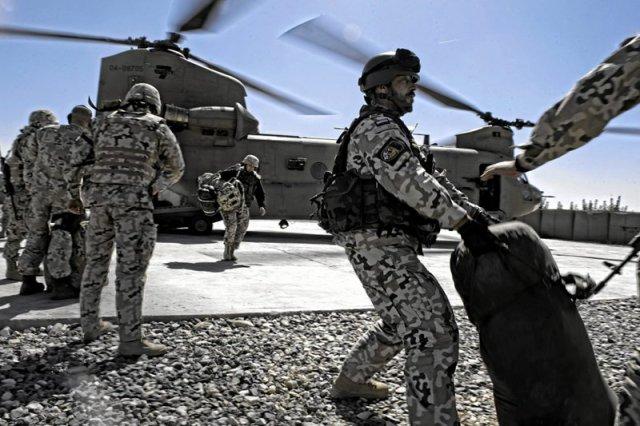 Na zdjęciu polscy żołnierze podczas akcji w Afganistanie.