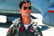"""Tom Cruise jako młody lotnik w """"Top Gun"""" wypromował aviatory."""