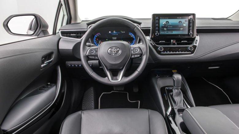Wnętrze jest nad podziw przestronne, jak na samochód segmentu C.