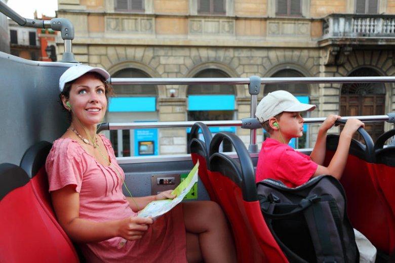 Zwiedzanie z autobusu jest intensywne, ale nie zaspokaja ciekawości.
