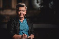 """Rozmawiamy z Hanną Greń, autorką kryminałów, w tym bestsellerowego cyklu powieści o śledztwach prowadzonych w małych miejscowościach przez Dionizę Remańską. Drugi tom serii """"Więzy krwi"""" już do nabycia w księgarniach"""