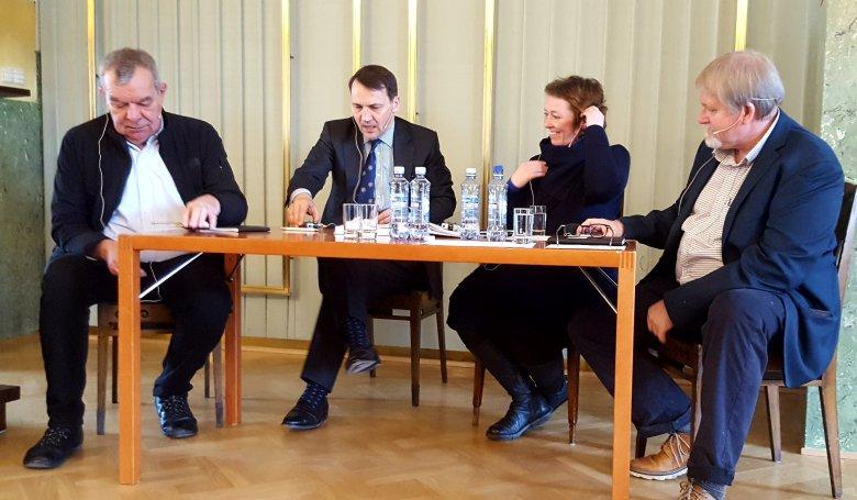Laszlo Rajk, Radosław Sikorski, Ingrid Brekke i Bernt Hagtvet