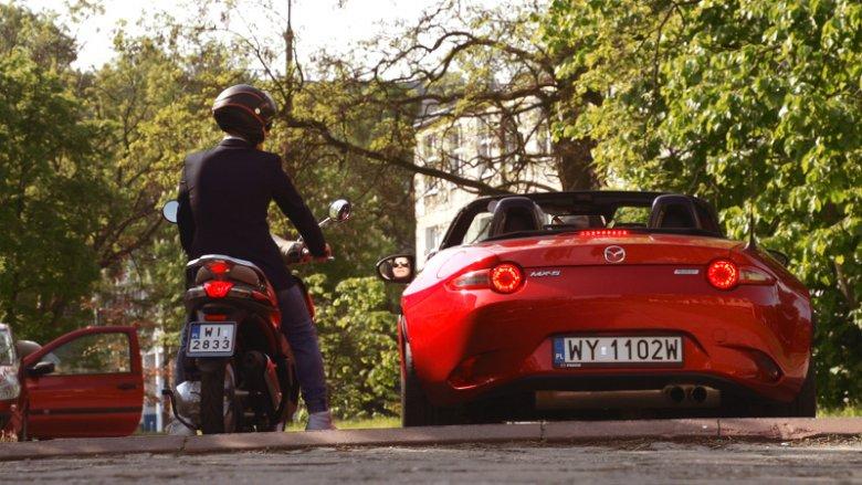 Piaggio Liberty 125 ABS i  Mazda MX-5