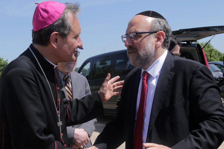 Rabin Schudrich przypomina, że przez ostatnie lata relacje polsko-żydowskie stawały się tylko coraz lepsze.