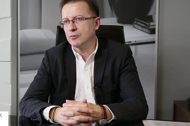 Józef Kosiorek, łomżyński przedsiębiorca, który dofinansował spółkę projektanta. Maciej Zień oskarża go o próbę przejęcia firmy.