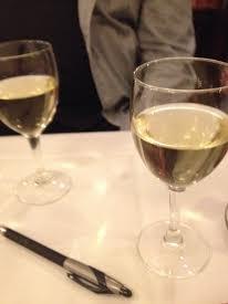 wino w Deux Magots, wyborne