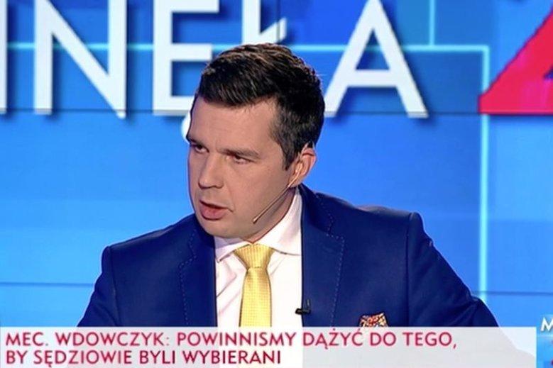 """Wśród """"prześwietlonych"""" przez """"Press"""" znalazł się dziennikarz TVP Info Michał Rachoń."""