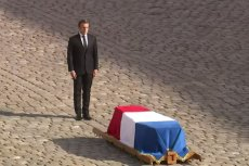 Prezydent Francji oddał hołd Chiracowi.