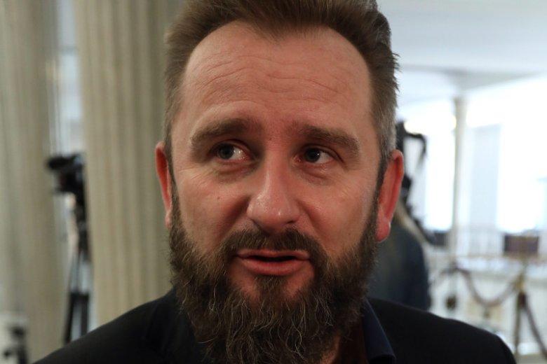"""""""Muszę przeprosić wyborców"""". Mocny wywiad w """"Rzeczpospolitej"""", w którym poseł Liroy-Marzec naraził się niejednej osobie."""