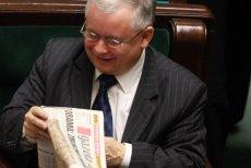 """Adam Hofman o Jarosławie Kaczyńskim:  """"Gdy mieliśmy kryzys, on siedział i czytał gazetę"""" (zdjęcie archiwalne)."""