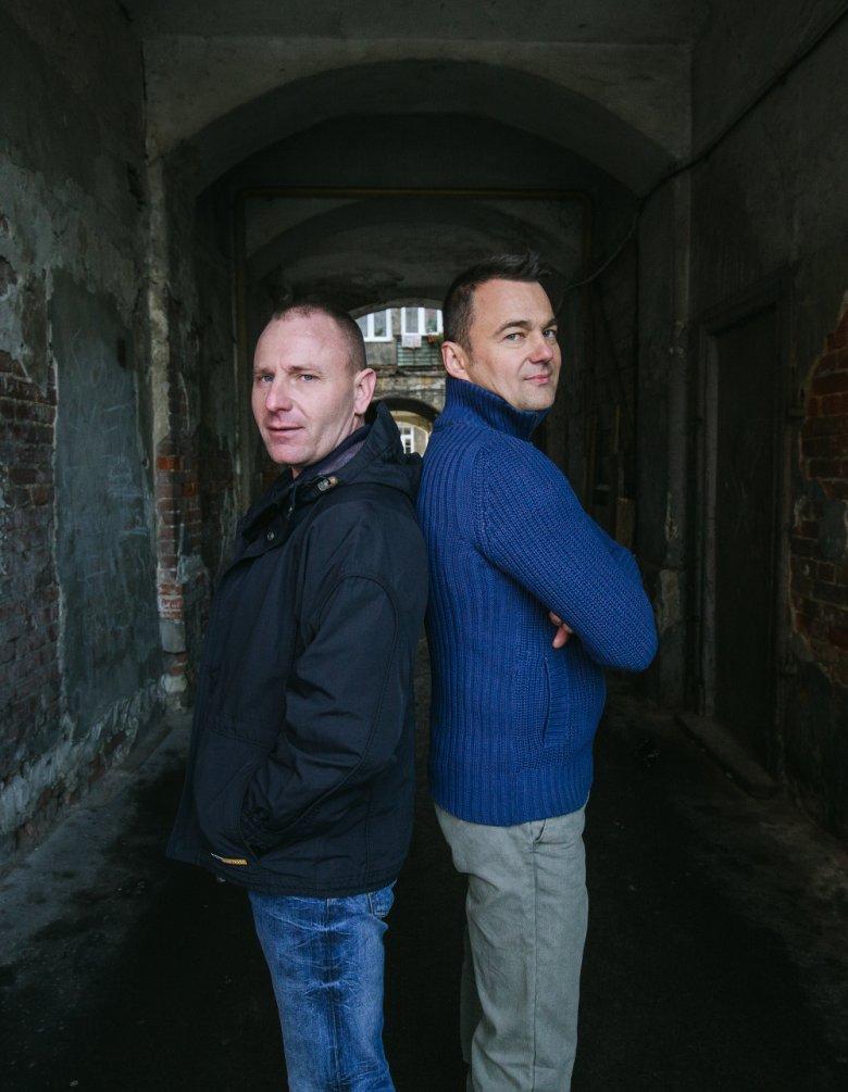 Marek (Fryzjer) z lewej i były policjant - Marcin (Elvis) z prawej.
