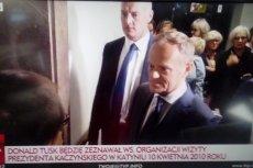 Przesłuchanie Donalda Tuska w Sądzie Okręgowym w Warszawie. Na zdjęciu - transmisja z wydarzenia w TVP Info.