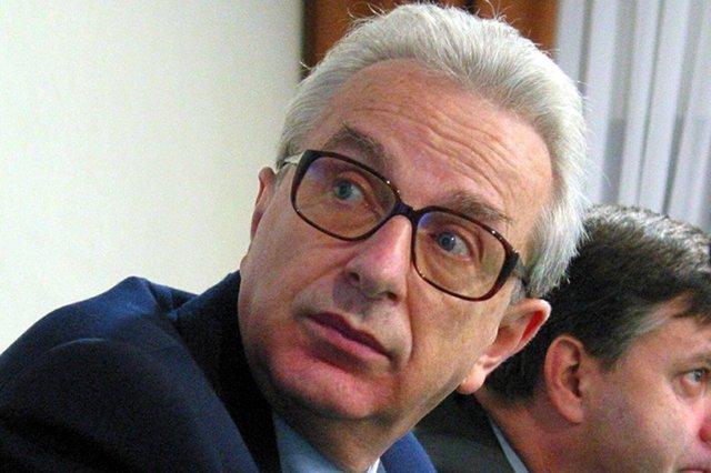 Prof. Zbigniew Lew-Starowicz przeprosił pacjentów, których leczył w przeszłości elektrowstrząsami