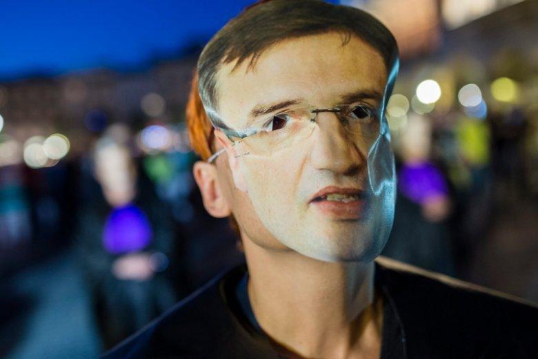 PiS nie chodziło o to, by sądy stały się bardziej przyjazne ludziom, ale by minister Zbigniew Ziobro miał większy wpływ na ich obsadę