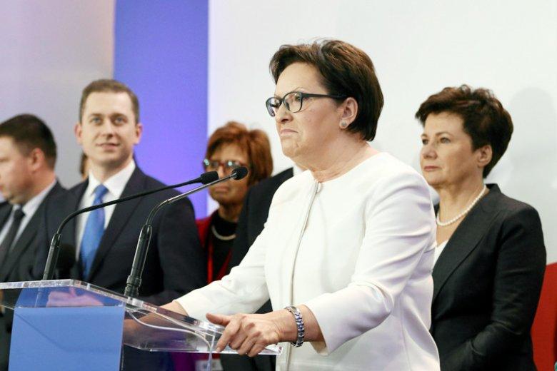 Ewa Kopacz liderką zjednoczonej opozycji? Ryszard Petru zapomniał chyba, że to ona doprowadziła do osłabienia PO, które umożliwiło PiS sięgnięcie po wszechwładzę w Polsce.