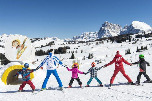 Pierwsza rzecz po przyjeździe: znaleźć szkółkę narciarską
