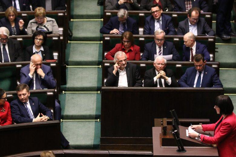 Projekt ustawy liberalizującej aborcję przepadł w Sejmie z powodu opozycji.