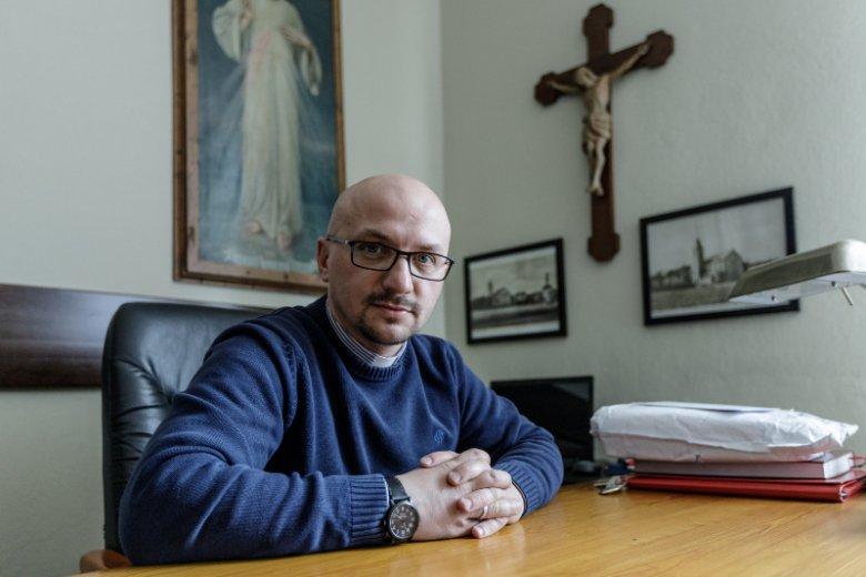 O. Grzegorz Kramer w rozmowie z naTemat o pożarze katedry Notre Dame, Nostradamusie i o Magdalenie Ogórek.