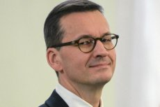 Mateusz Morawiecki próbuje wytłumaczyć, skąd sięwziął pomysł podziału majątku i przepisania nieruchomości na żonę.