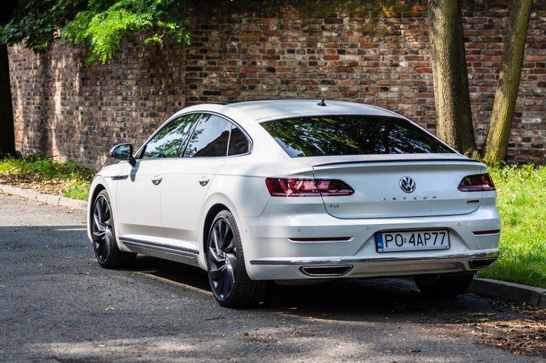 Na zdjęciu Volkswagen Arteon, 280-konny benzyniak.