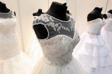Suknię ślubną zakłada się raz w życiu i... co dalej?