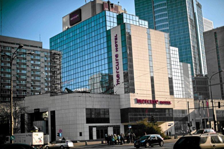 Hotel Mercurce został zburzony, mimo że powstał na początku lat 90. Musiał ustąpić miejsce wyższej inwestycji.