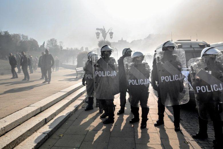 Sierżant Bagieta pokazuje na YouTube jak wygląda praca w policji.