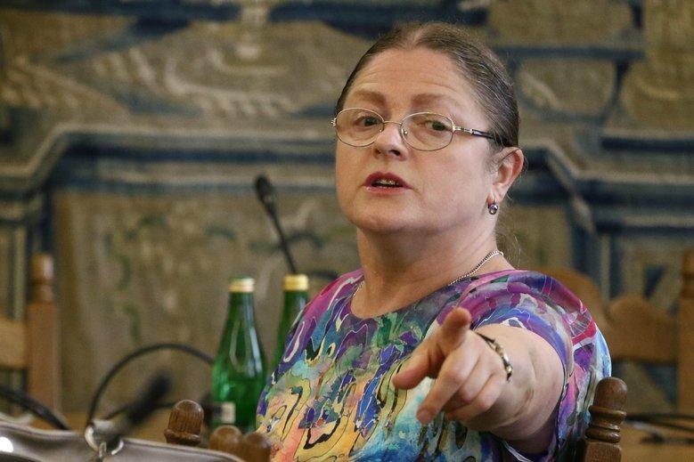Sędzia Krzysztof Świderski już dwukrotnie został wylosowany do prowadzenia sprawy Krystyny Pawłowicz. Teraz prowadzi trzecią sprawę.