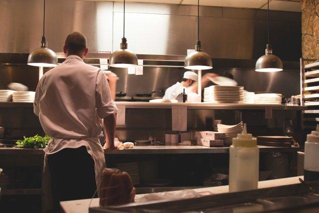 Restauracje i kawiarnie coraz chętniej serwują potrawy z internetu. Nie zawsze jednak podają autora przepisu.
