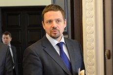 - Prezydent zapomina, że za politykę zagraniczną odpowiedzialny jest rząd - przekonuje wiceszef MSZ Rafał Trzaskowski.