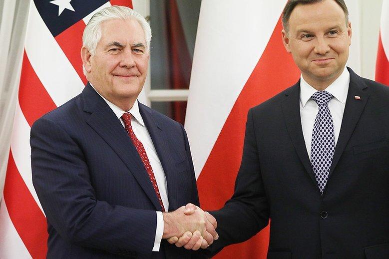 Rex Tillerson, który jeszcze niedawno gościł w Warszawie przestał być szefem amerykańskiej dyplomacji.