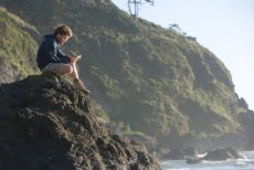 Propozycje książek i filmów, które warto nadrobić w wakacje