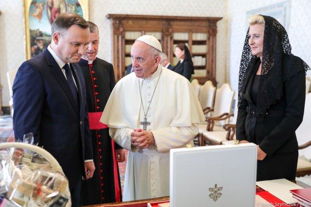 Jakie są obowiązki papieża
